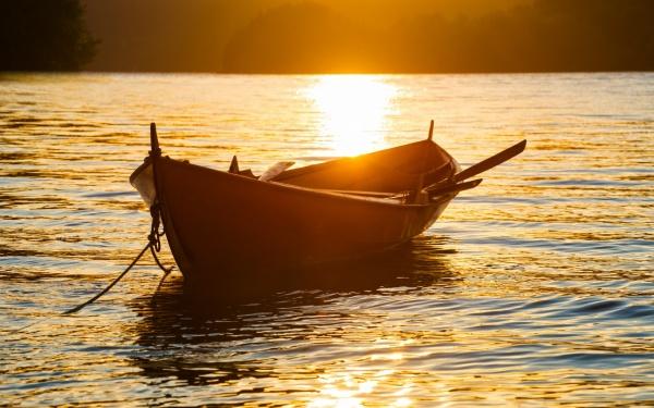 причалить к берегу на лодке сонник